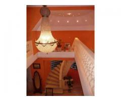 Most alkalmi áron eladó Szentendre főútvonalán egy klasszikus villa jellegű lakóház